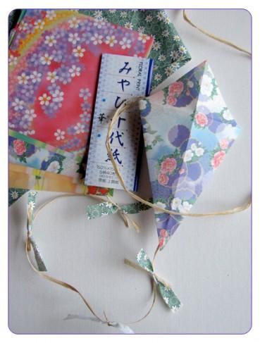 Easy Kids Craft: Origami Kites