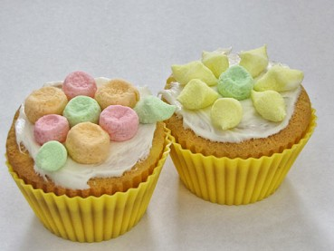 Easter Desserts: Easiest Flower Cupcakes Ever