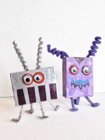 Recycled Crafts: Make Aliens & Monsters from Carboard Boxes