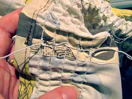 Wrong side of elastic thread rows