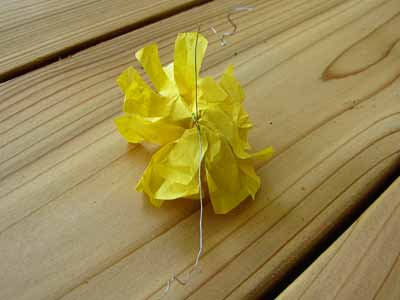 Assembling the Paper Flowers with Thin Wire