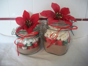 Quick Christmas Gift Craft: Hot Cocoa Jars