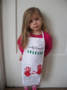 Super cute craft apron that kids can help decorate.