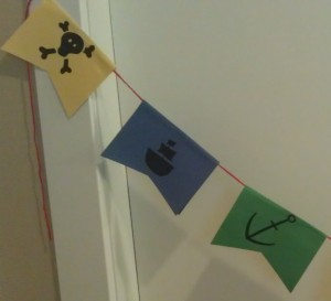 A little closer shot for how to space your pirate flag craft.