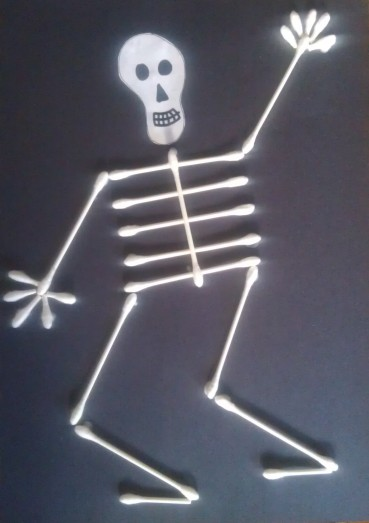 Q-Tip Skeleton Halloween Craft for Kids