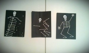 Spooky skeleton craft for kids to make at Halloween