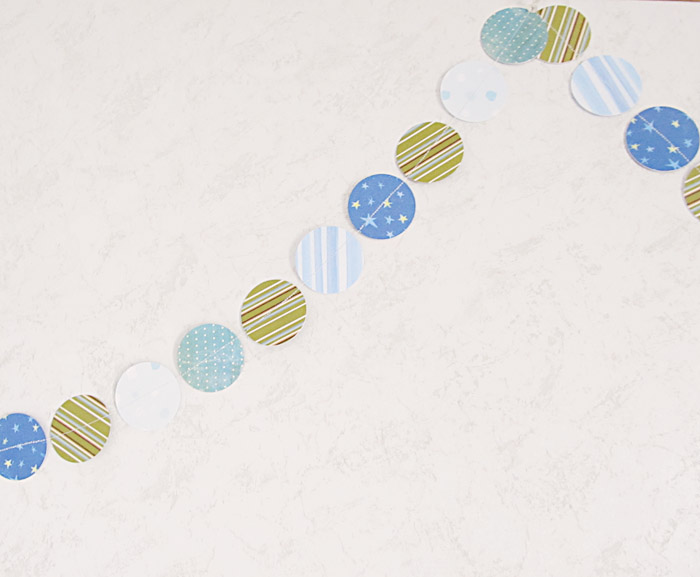 How to Make a Pretty Paper Garland