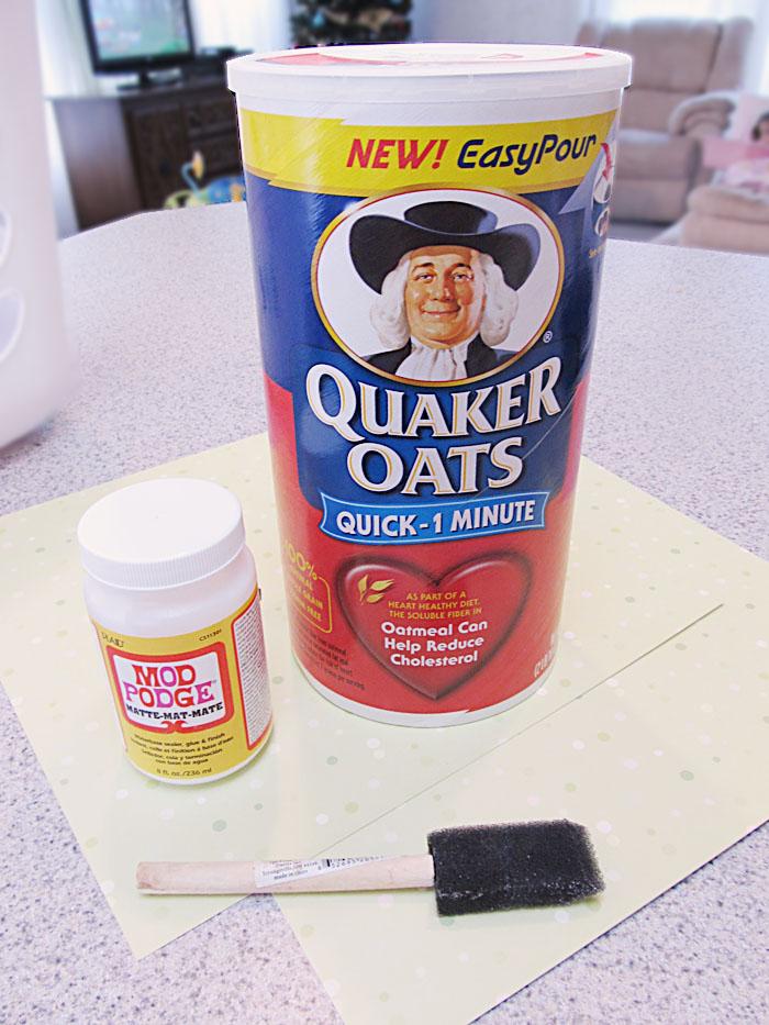 Headband Organizer 2 Make a Headband Organizer from an Oatmeal Can
