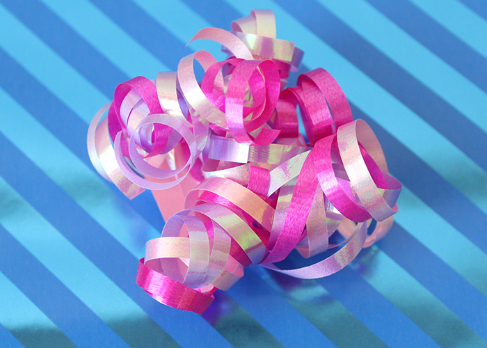 diy-curly-gift-bows-5