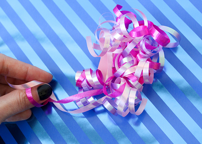diy-curly-gift-bows-6