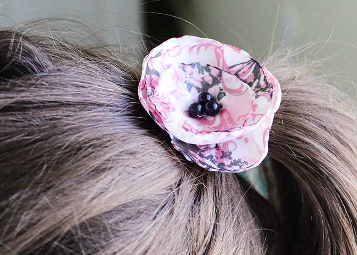 satin-flower-hair-bow-tutorial-11