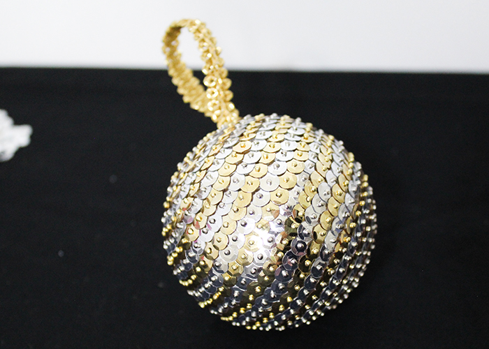 sequin-christmas-ornament-craft-5