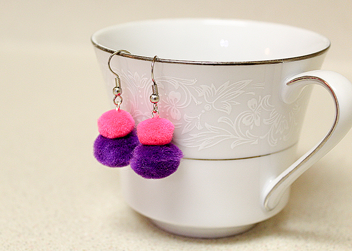 pom-pom-earrings-tutorial-8