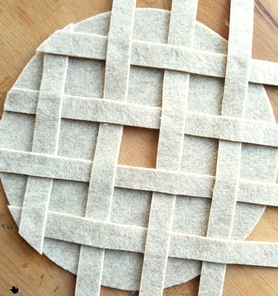 Numbers pie crust made of felt