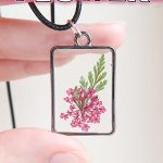 UV Resin Flower Necklace Tutorial