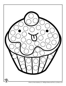 Kawaii Cupcake Easy Coloring Page